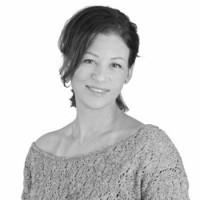 Małgorzata Domeracka - Projektant ogrodów, specjalista z zakresu reklamy i marketingu, miłośniczka pięknej architektury